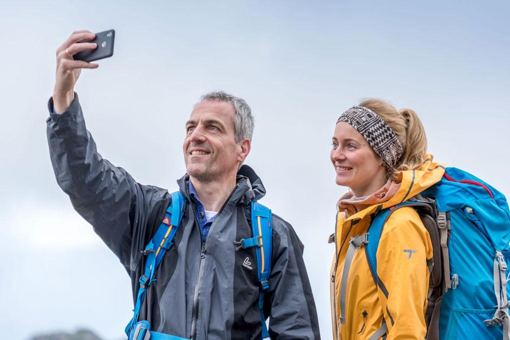 Pärchen macht Selfie